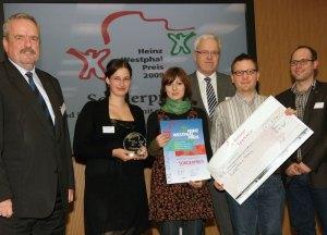 Der Sonderpreis des Heinz-Westphal Preises geht an Jugend im Haushalt: im Bild Josefine Wickenbrock (2.v.l.) und Martin Kranz (2.v.r.)