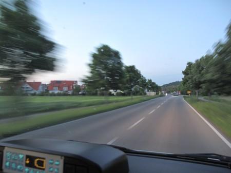 Blick aus dem fahrenden KTW irgendwo vor Staufen