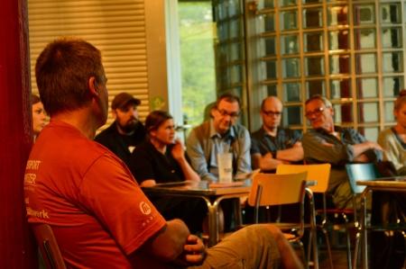 Menschen beim Vortrag von Baldo Blinkert Bild Lisa Hörig